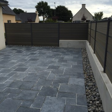 Ets cardinal am nagement ext rieur des b timents terrasse dallage comtemp - Claustra composite gris ...
